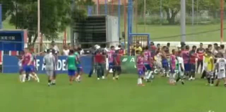 Clássico-Rei Sub-17 termina com briga no CT do Fortaleza; assista