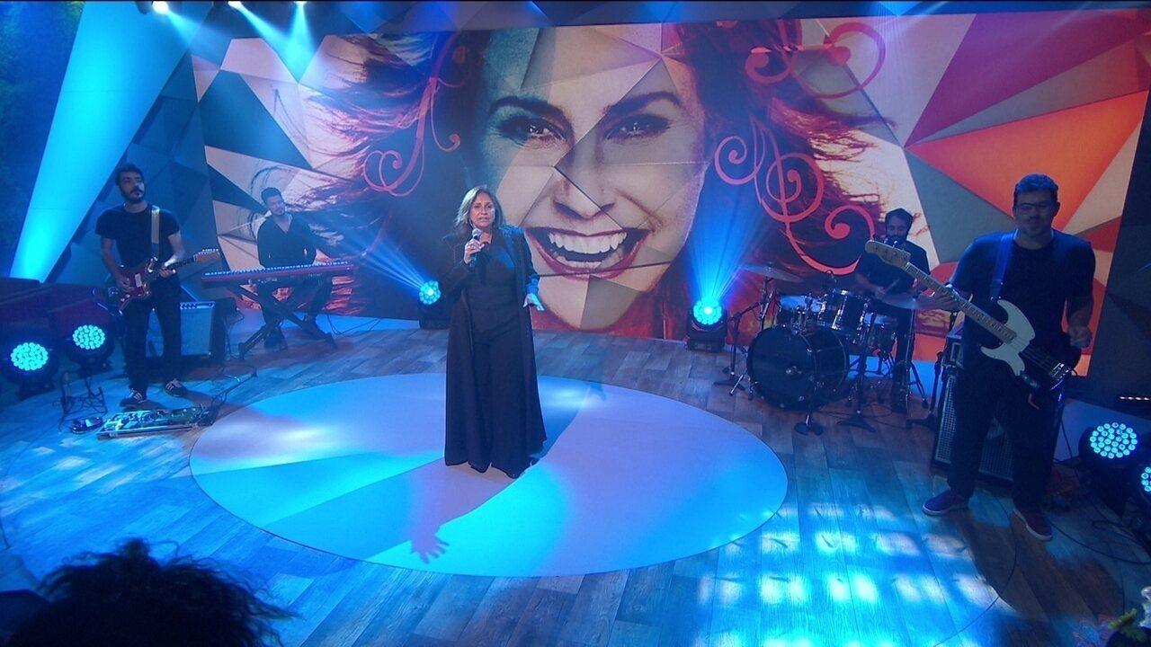 Fafá de Belém canta 'Alinhamento Energético' no palco do Fantástico