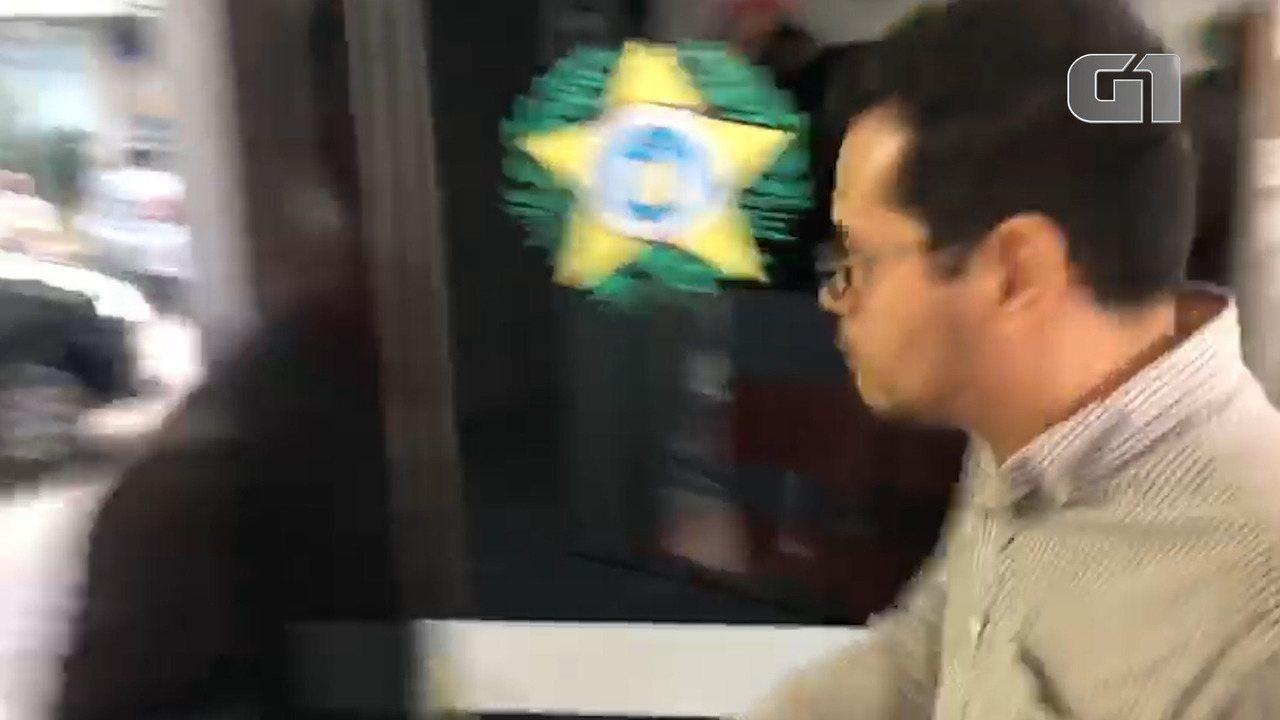 Filho da deputada Flordelis é levado para a delegacia para prestar esclarecimentos