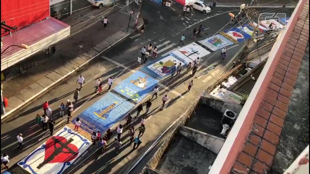 São Gonçalo tem tapete com cerca de 1,5 km de extensão para celebração de Corpus Christi