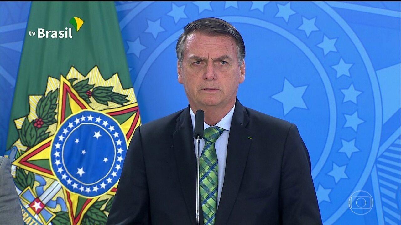 Após divulgação de novos diálogos, Bolsonaro diz que é honra e orgulho ter Moro no governo