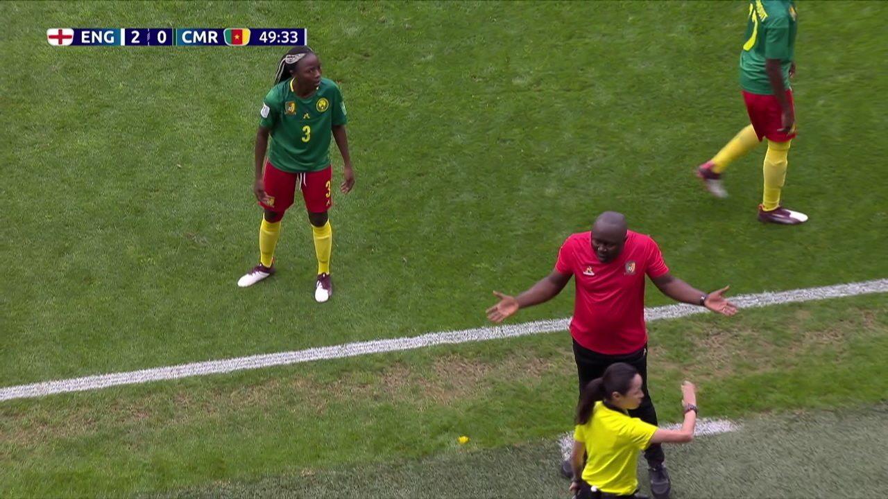 Não valeu! Camarões desconta, mas VAR anula o lance, aos 3 do 2º tempo