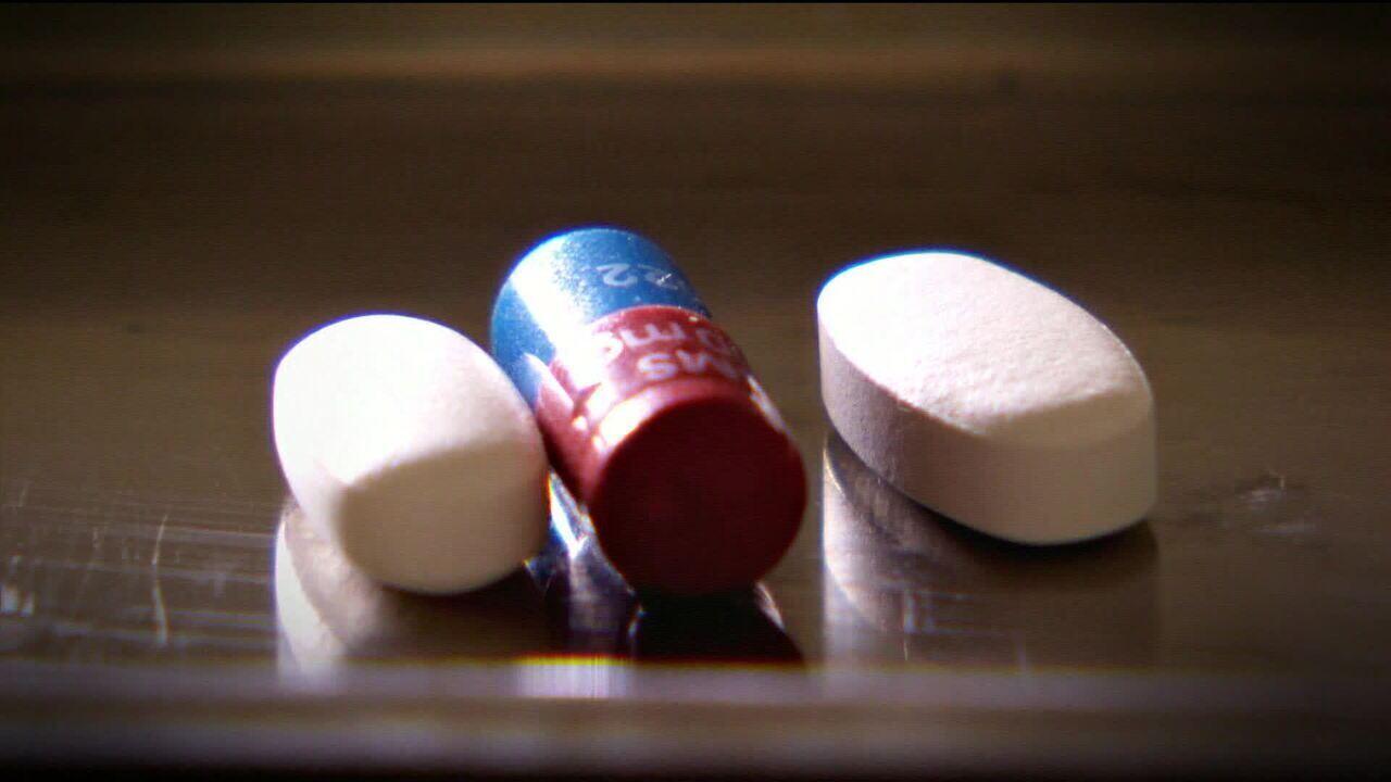 Fiocruz vai fabricar remédio usado no tratamento do HIV
