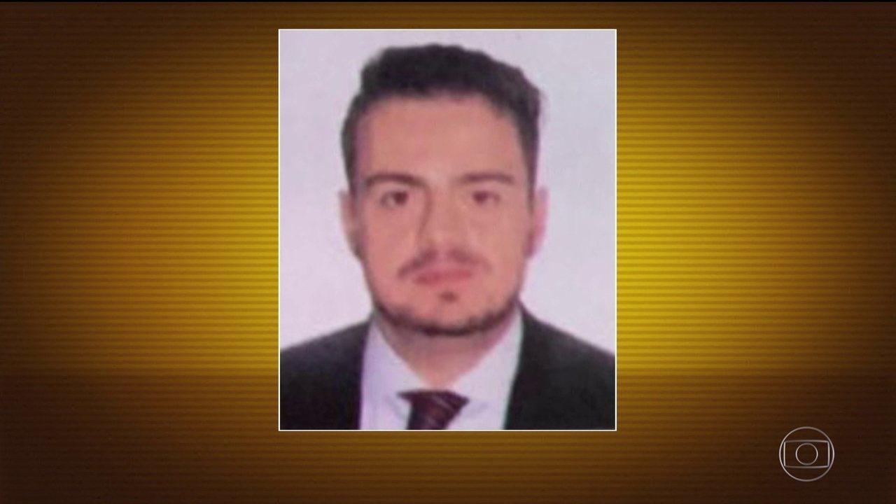 Polícia procura homem que atirou em PMs de dentro do apartamento em SP