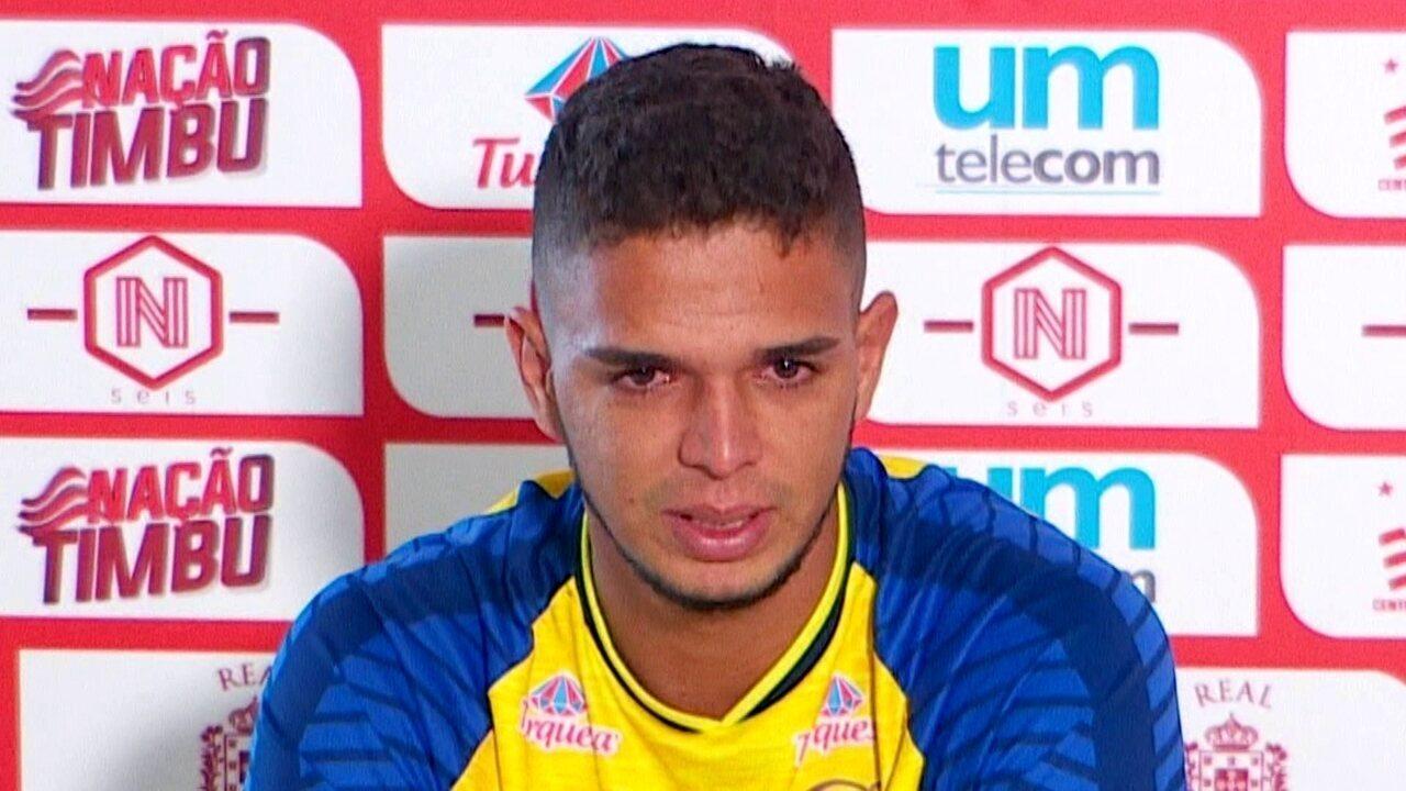 Depois de seis anos de clube, Bruno se emociona ao se despedir do Náutico