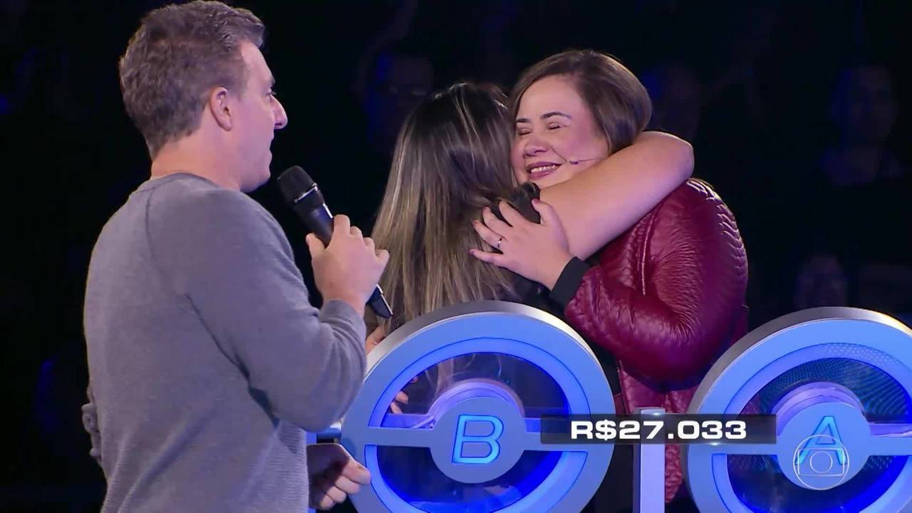 As irmãs Raquel e Isabel participam do 'The Wall'