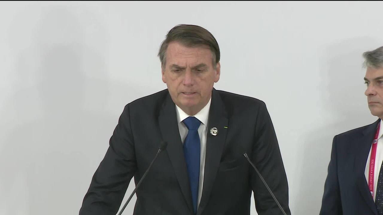 Presidente Jair Bolsonaro fala sobre conversas que teve com Merkel e Macron