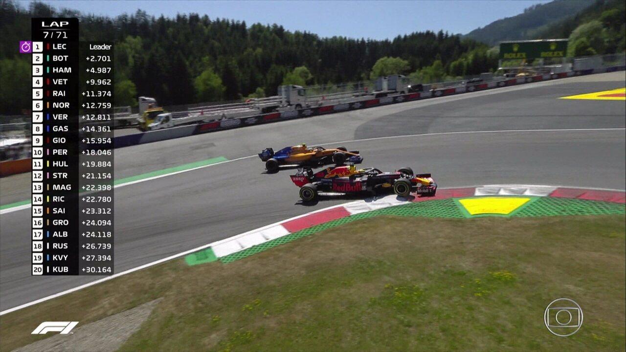 Verstappen passa por Norris e assume a sexta posição