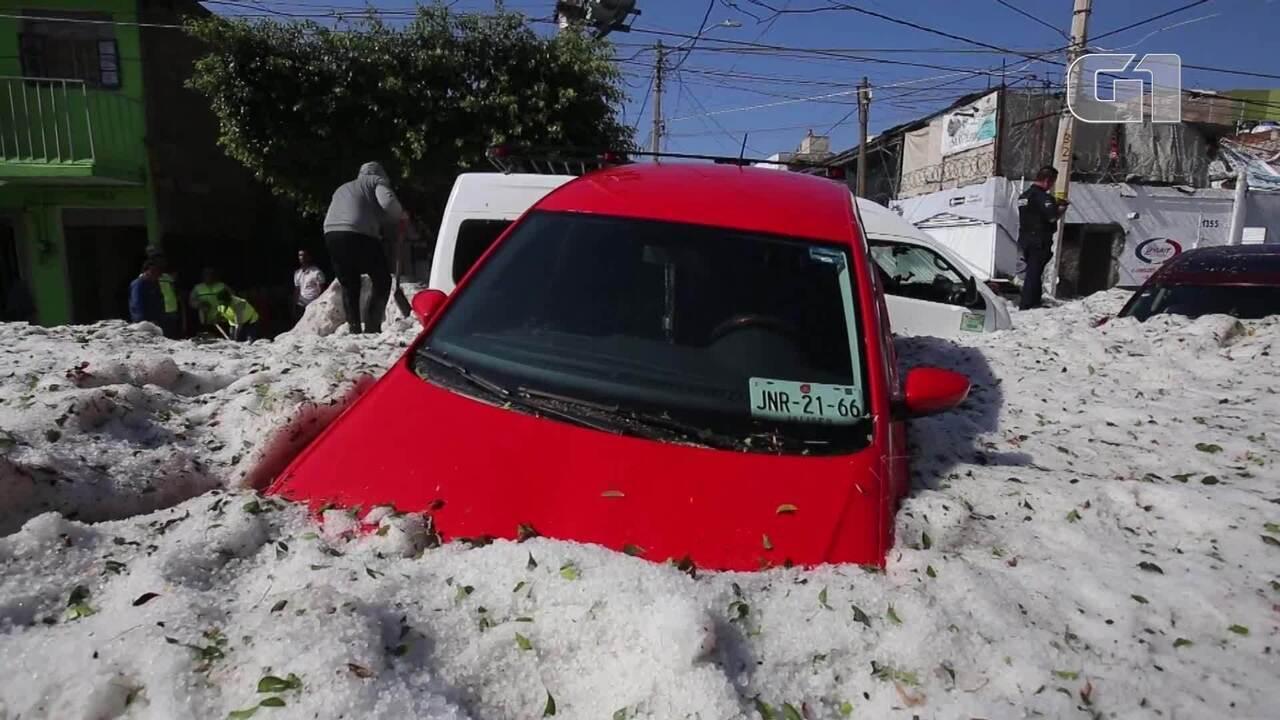 Tempestade de granizo atinge a cidade de Guadalajara no México
