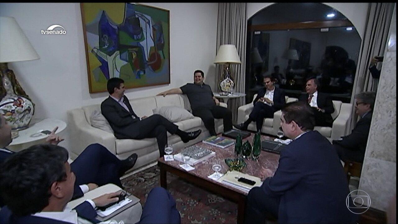 Rodrigo Maia recebe governadores para negociar inclusão dos estados na Previdência