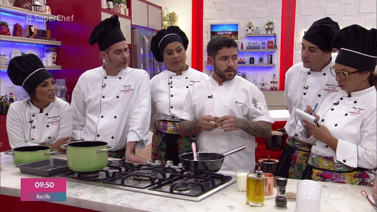 Chef Bruno Vaz ensina receita de croquete de cogumelo