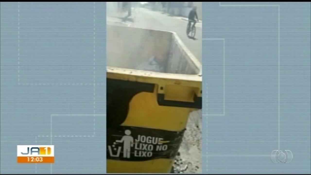 Container de lixo em Gurupi derrete após morador jogar brasa; veja o vídeo