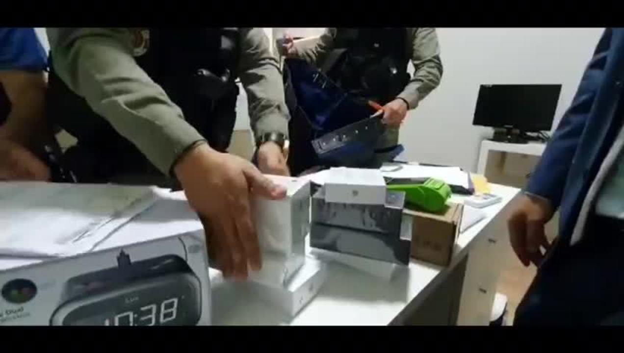 Vários iphones e acessórios foram apreendidos na operação