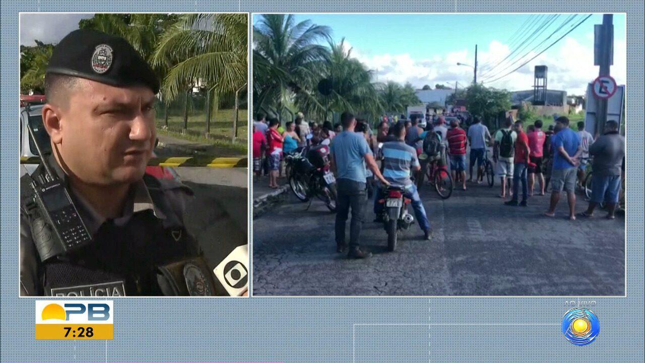 Homem reage a assalto e mata suspeito em ponto de ônibus, em João Pessoa