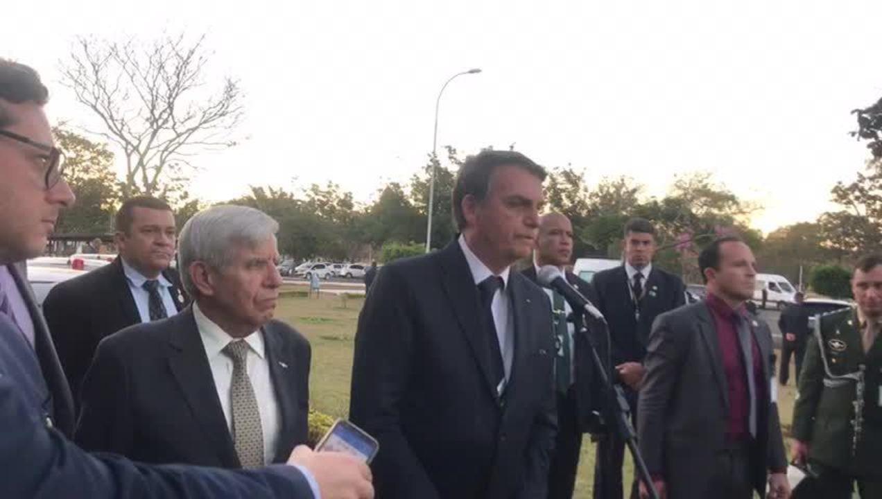 Jair Bolsonaro fala sobre a possibilidade de nomear filho Eduardo embaixador nos EUA