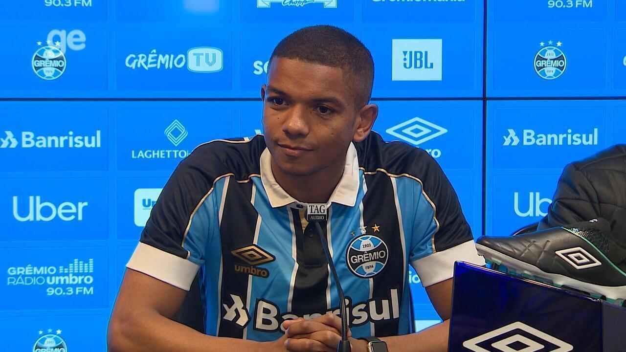 Confira a entrevista coletiva de apresentação do zagueiro David Braz no Grêmio