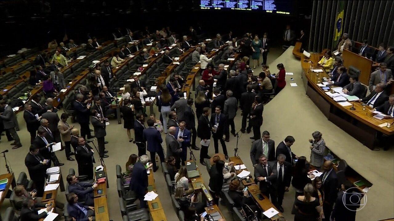 Comissão especial da Câmara aprova de madrugada o texto base da reforma da Previdência
