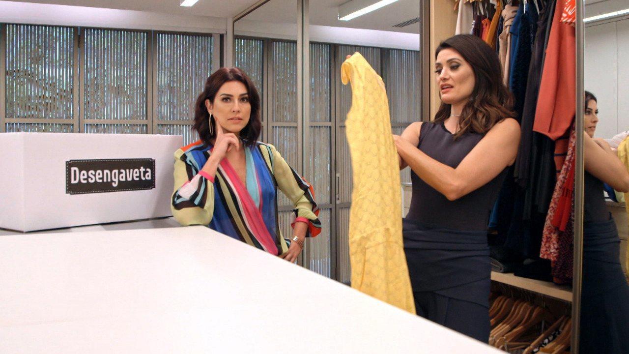 Isabella Fiorentino - Fernanda Paes Leme visita o closet da modelo e consultora de moda Isabella Fiorentino, que está no mundo da moda há duas décadas e tem um guarda-roupa com muita história.