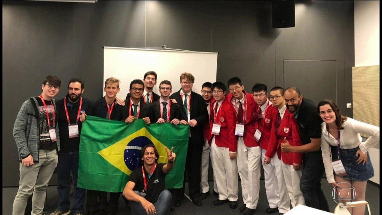 Equipe brasileira conquista segundo lugar na maior competição de física, na Polônia