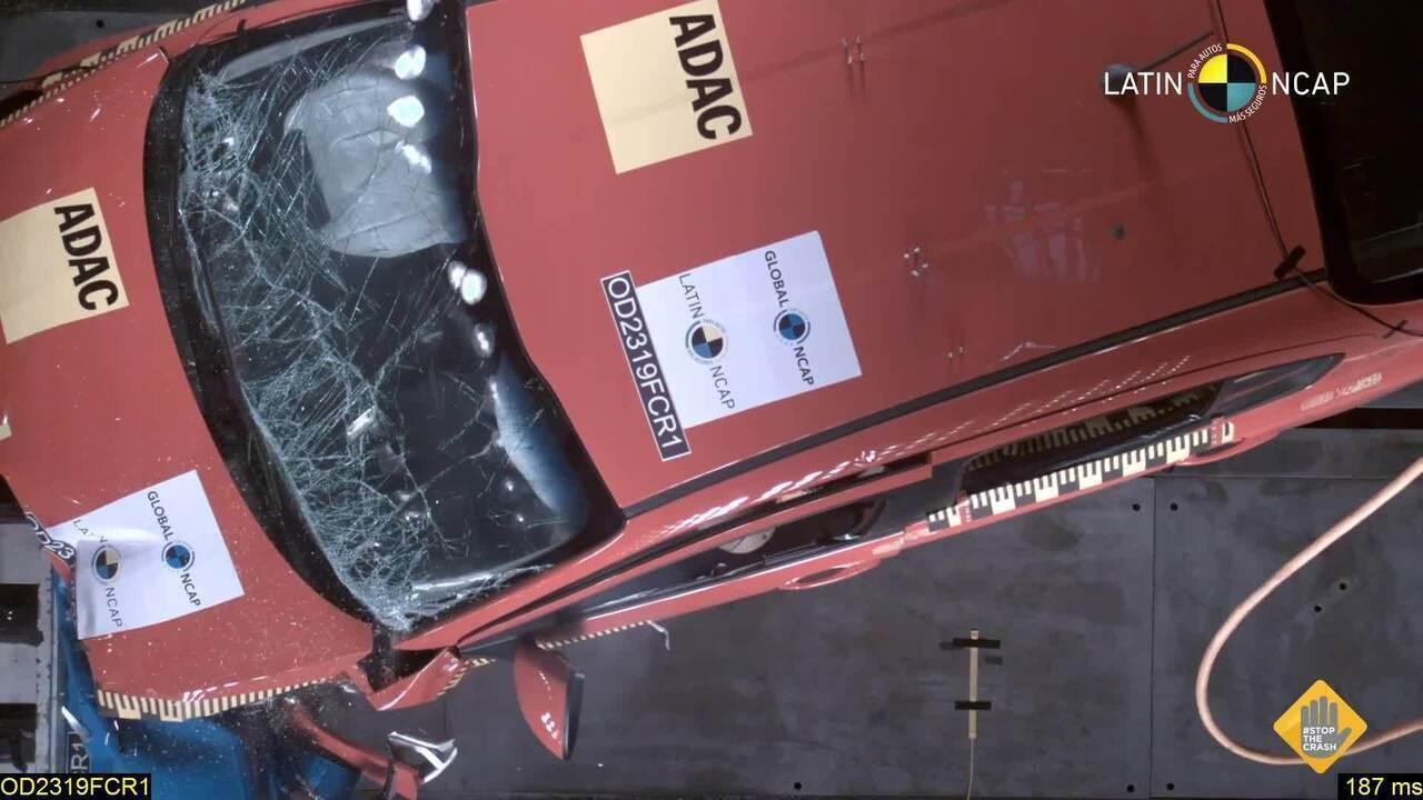 Fiat Argo e Cronos recebem 3 estrelas em teste de colisão