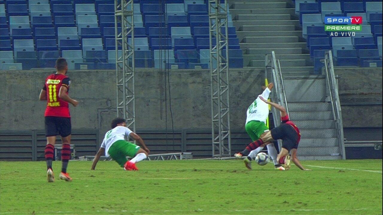 Sander lesiona o cotovelo contra o Cuiabá; Veja o lance