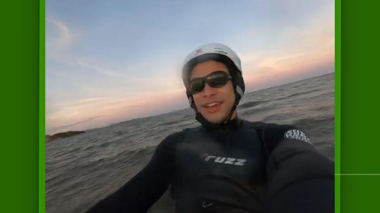 Ator Sérgio Malheiros mostra habilidade no kitesurf e na pista de skate