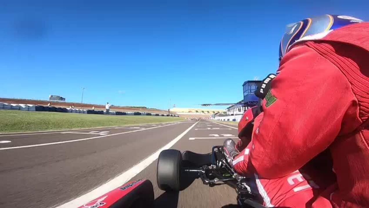 Rodrigo Piquet mostra o Kartódromo Delci Damian, em Cascavel, sede do Brasileiro de Kart