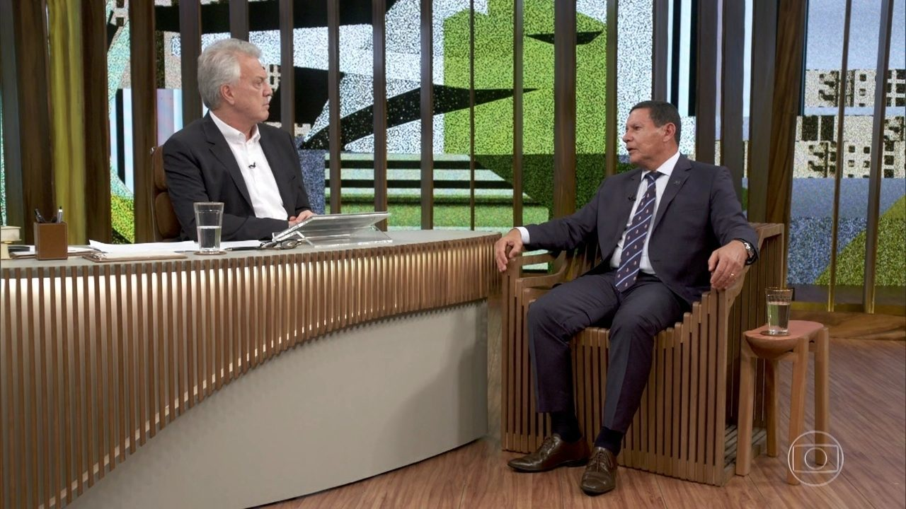 Mourão fala sobre ditadura e o Coronel Brilhante Ustra