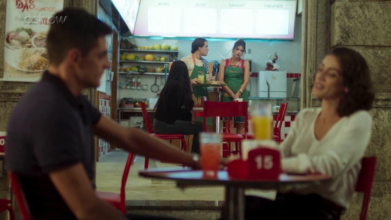 19/7 - Teaser 'Malhação - Toda Forma de Amar': Carla fica mexida ao ver Neide com Marco