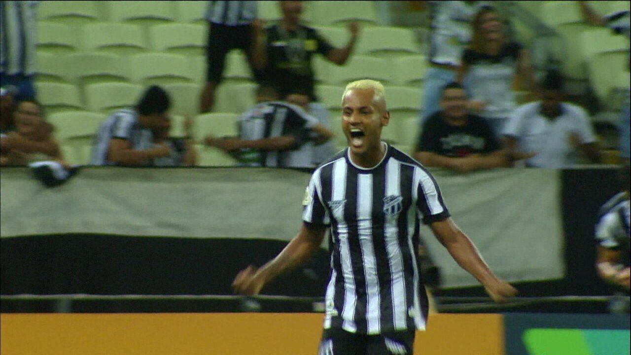 Ceará vence em casa e acaba com invencibilidade do Palmeiras no Brasileirão