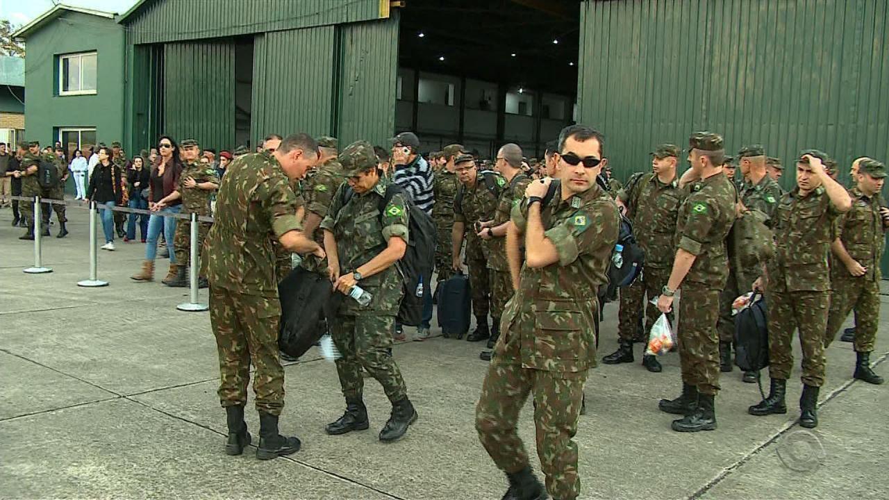 Militares viajam do RS para Roraima em trabalho de ajuda humanitária a refugiados