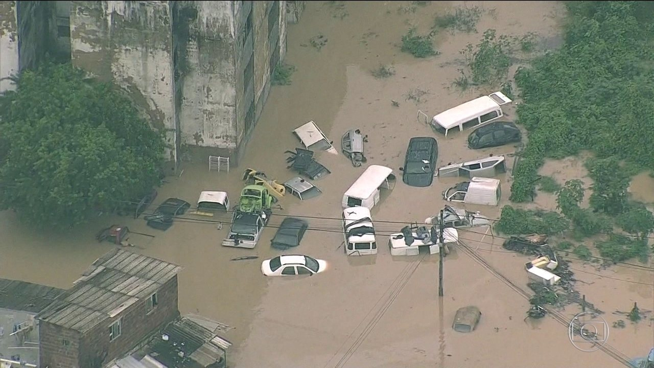Resultado de imagem para imagens de Mais de 1,2 mil pessoas ficam desalojadas por causa das chuvas no Grande Recife