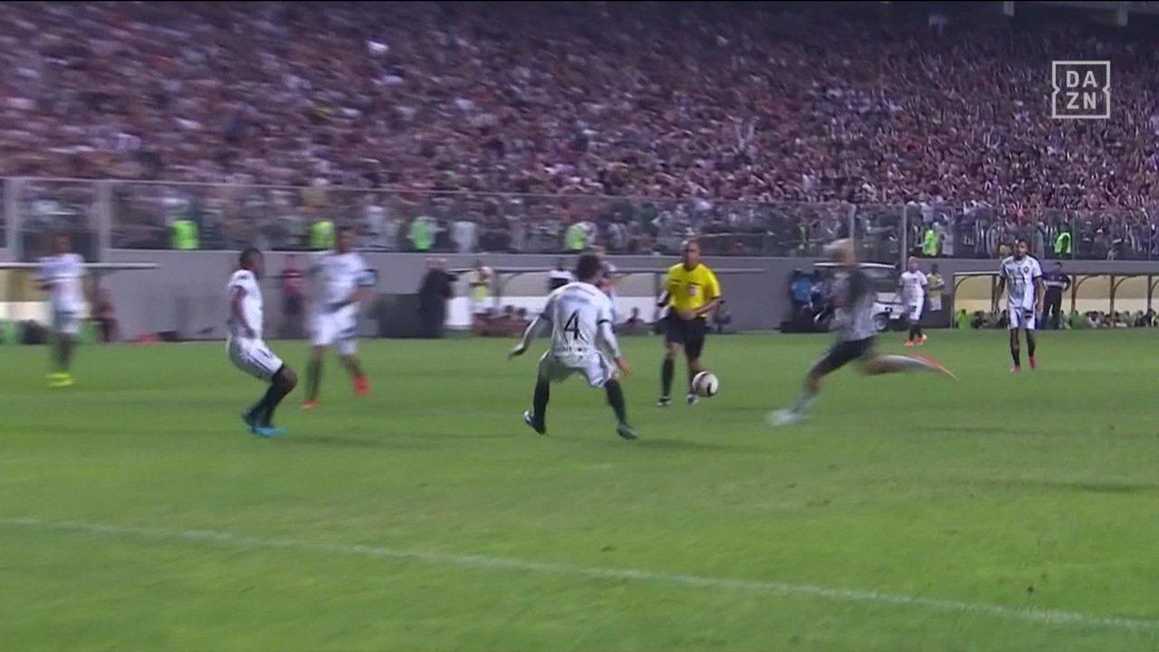Atlético-MG bate o Botafogo por 2 a 0 e avança na Copa Sul-Americana