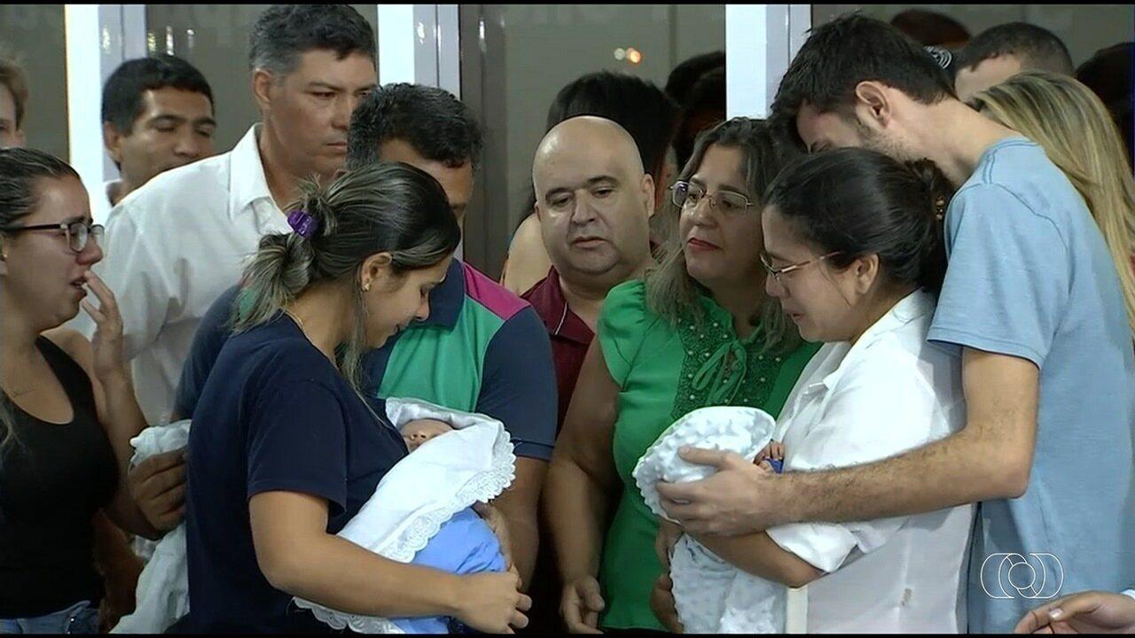 Bebês são devolvidos aos pais biológicos após DNA comprovar a troca