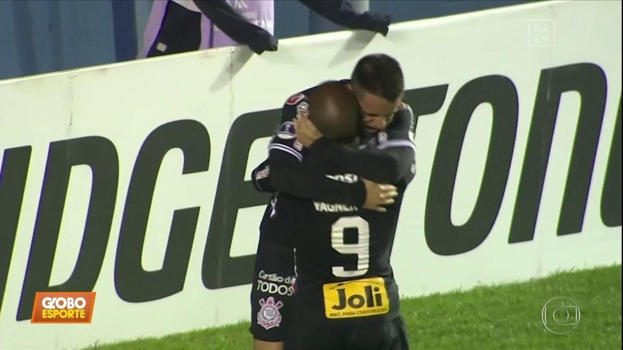 Corinthians derrota Montevideo Wanderers e avança na Sul-Americana