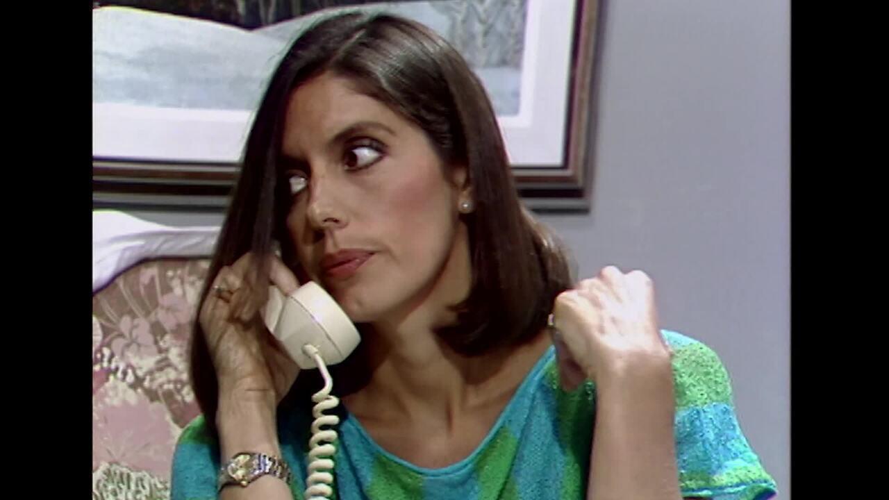 Mila Moreira em Marron Glacê