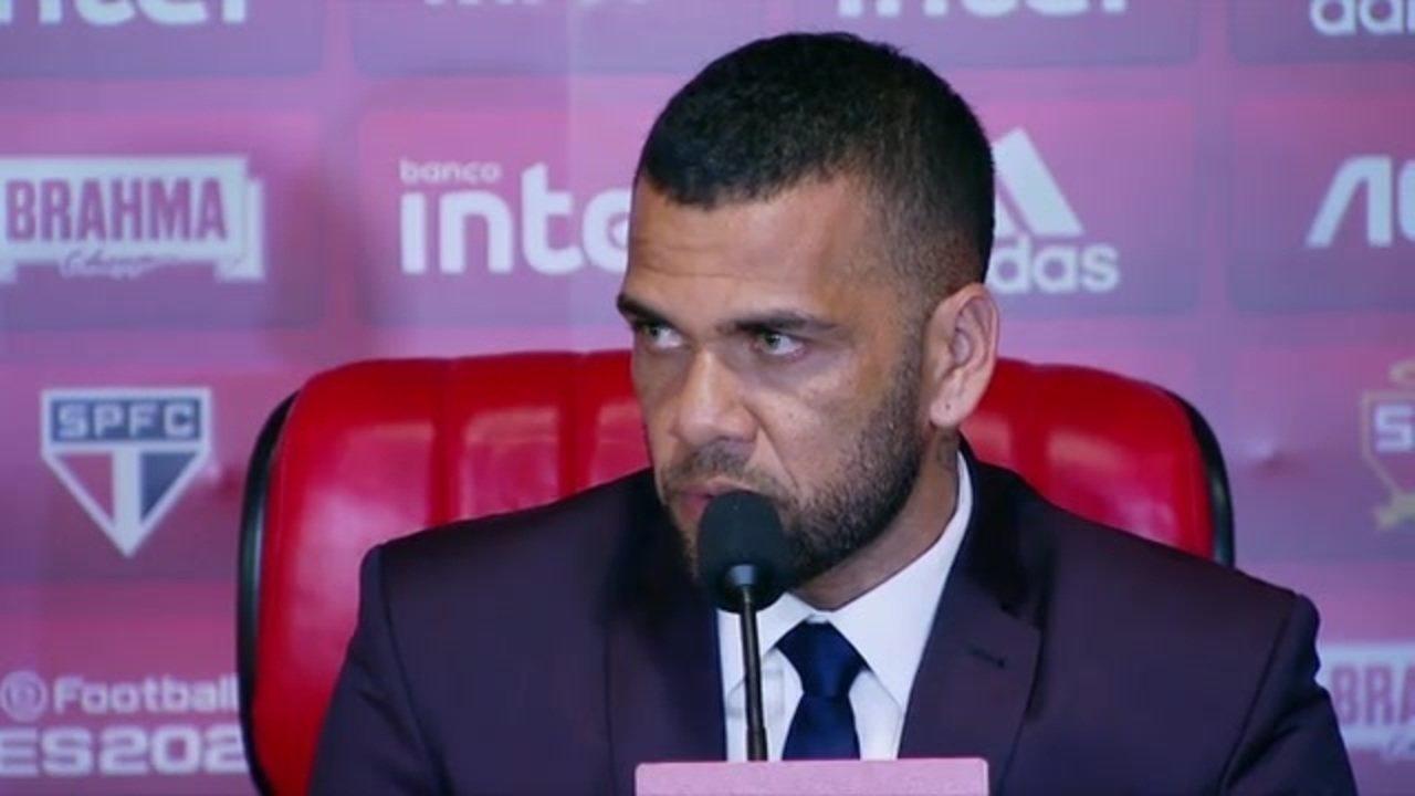 """Daniel Alves fala sobre o projeto com o São Paulo: """"Venho para dar resultado"""""""