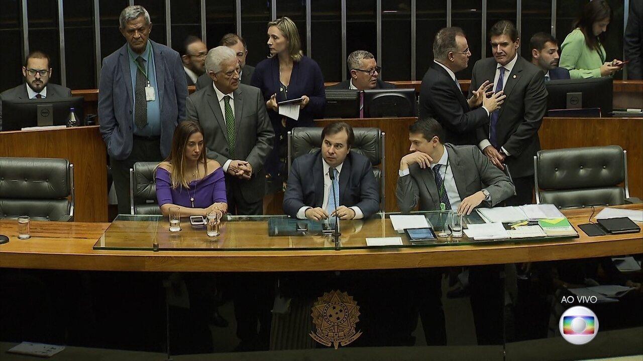Deputados analisam mudanças no texto da reforma da Previdência aprovado em 2º turno