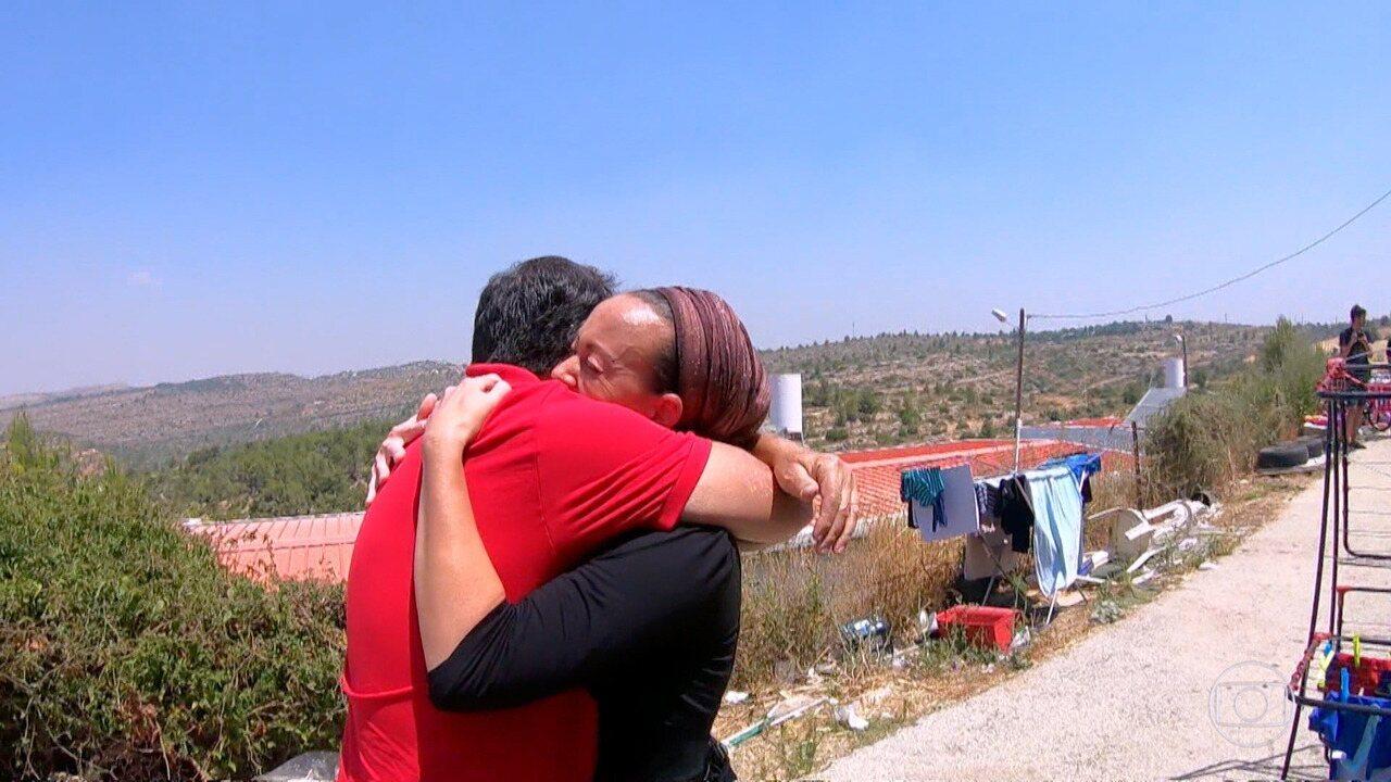 'Encontrar Alguém': pai e filha se reencontram depois de quase uma década