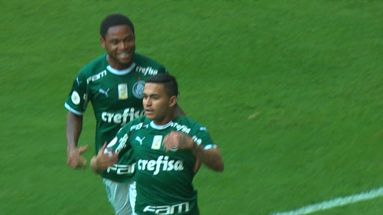 Gol do Palmeiras! Dudu aproveita a falha Douglas e marca para o Palmeiras, aos 12 do 1º tempo