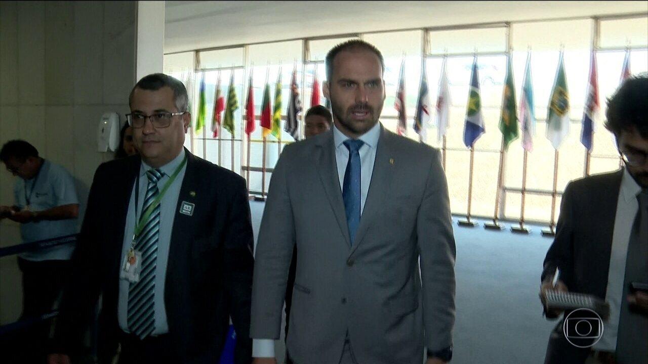 Parecer do Senado diz que indicação de Eduardo Bolsonaro a embaixada seria nepotismo
