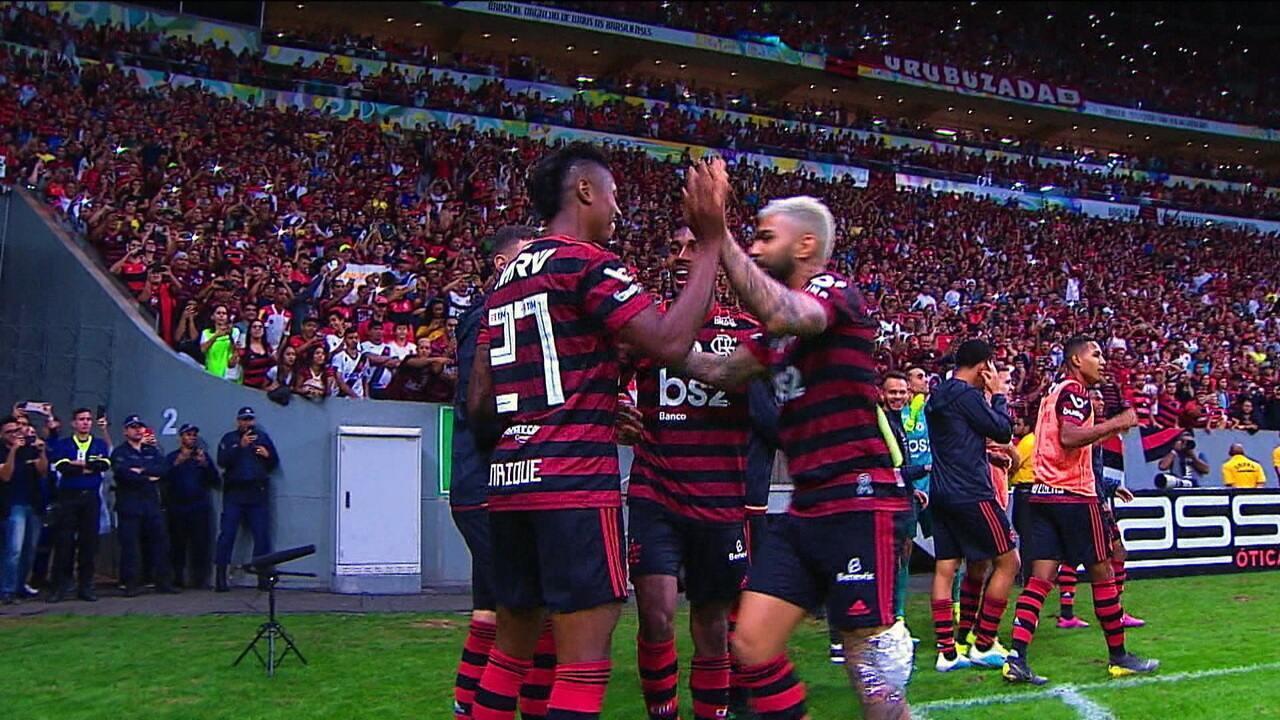Flamengo leva a melhor sobre o Vasco, em clássico marcado por quebra de escrita que durava 12 anos