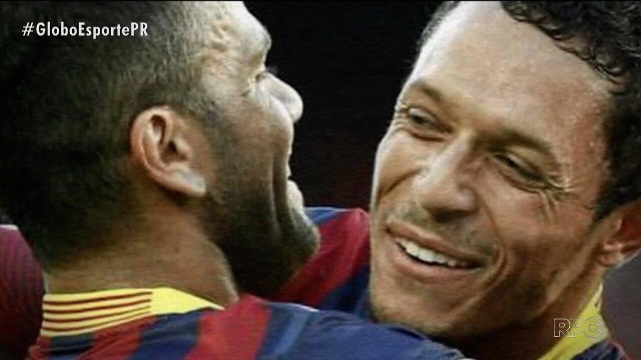Multicampeões no Barcelona, Adriano e Daniel Alves se reencontram