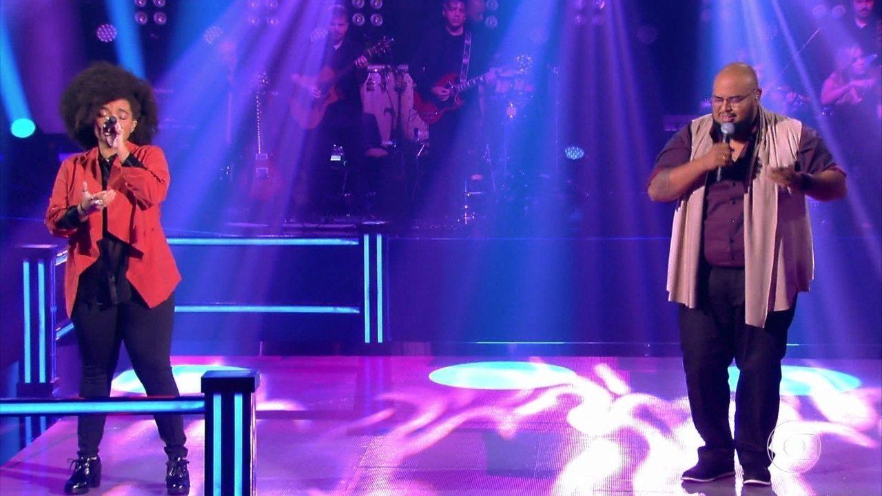 """Edyelle Brandão e Élri El cantam """"The Closer I Get To You"""""""