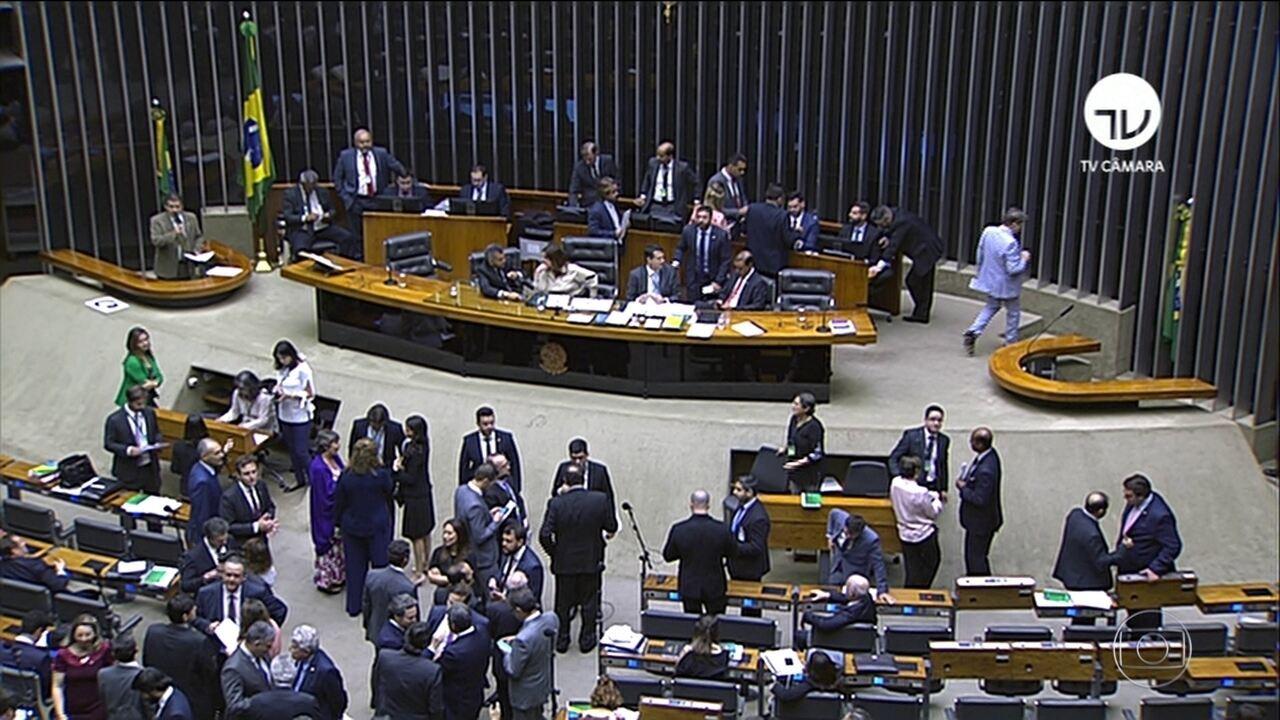 Câmara aprova projeto que obriga agressor a pagar SUS por vítima de violência doméstica