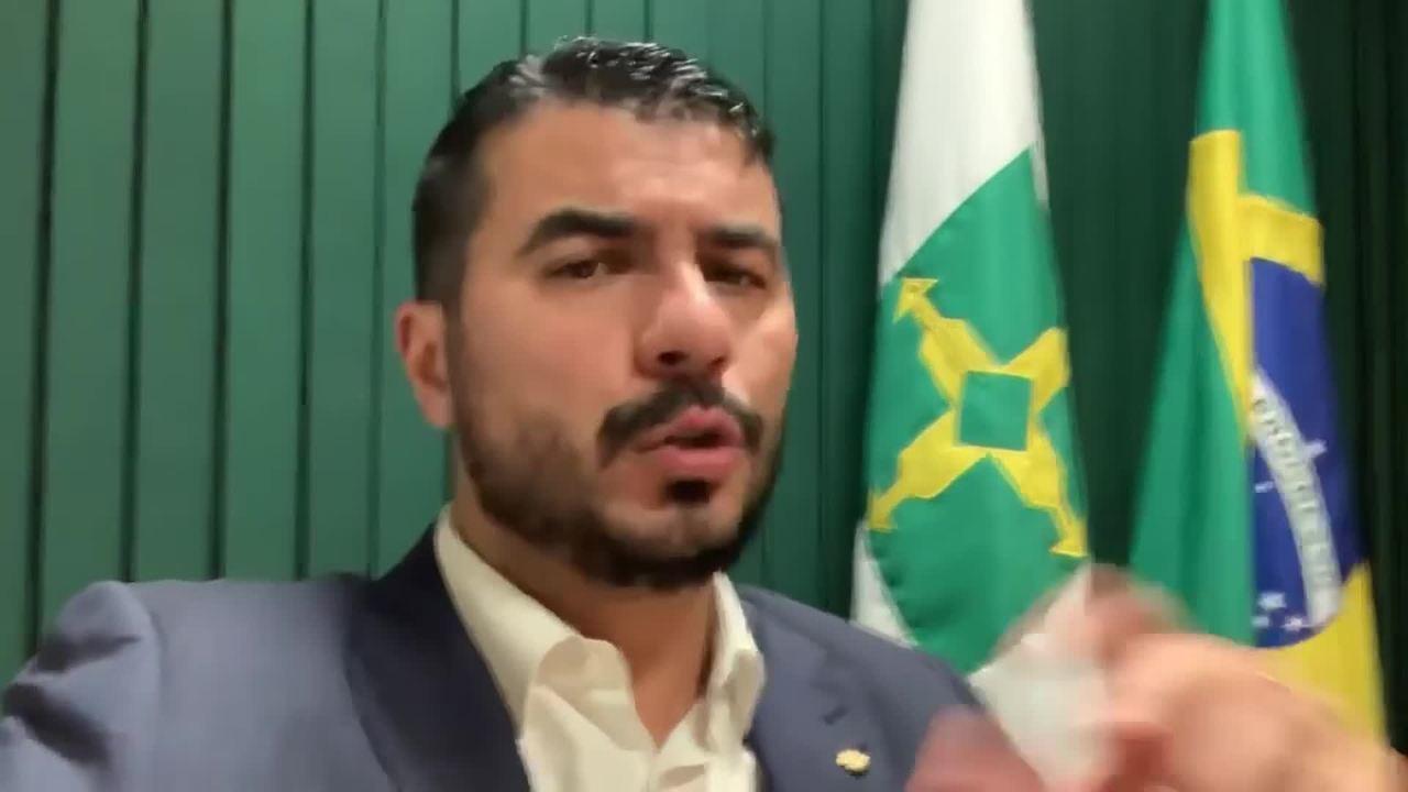 Justiça dá 48 horas para deputado federal Luís Miranda entregar passaporte