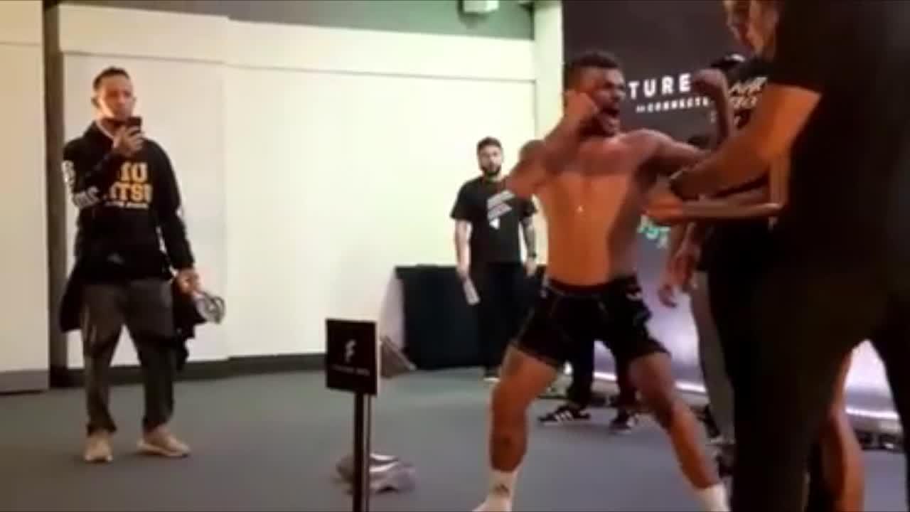 Luis Felipe Buda grita na cara de rival durante encarada