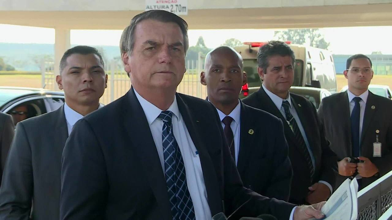 Bolsonaro questiona ajuda internacional à Amazônia: 'O que eles querem lá?'