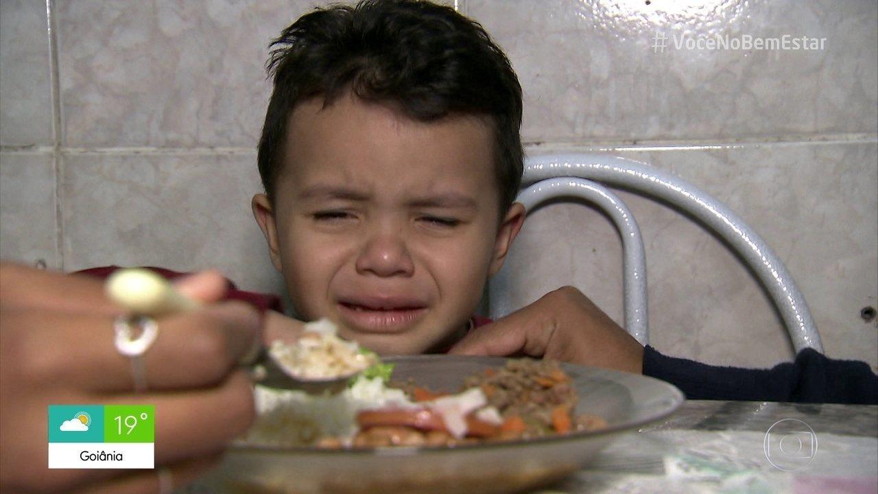 Crianças: Hora de comer não deve ser negociável