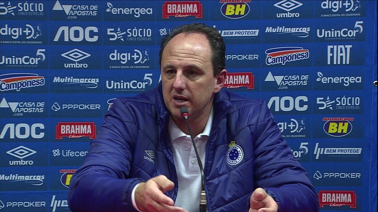 Rogério Ceni explica escalação do Cruzeiro e aponta erros de passes como principal motivo para derrota